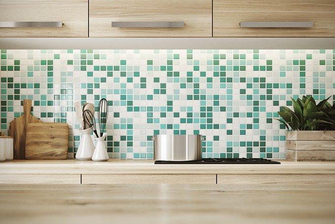 キッチンと壁面のタイル