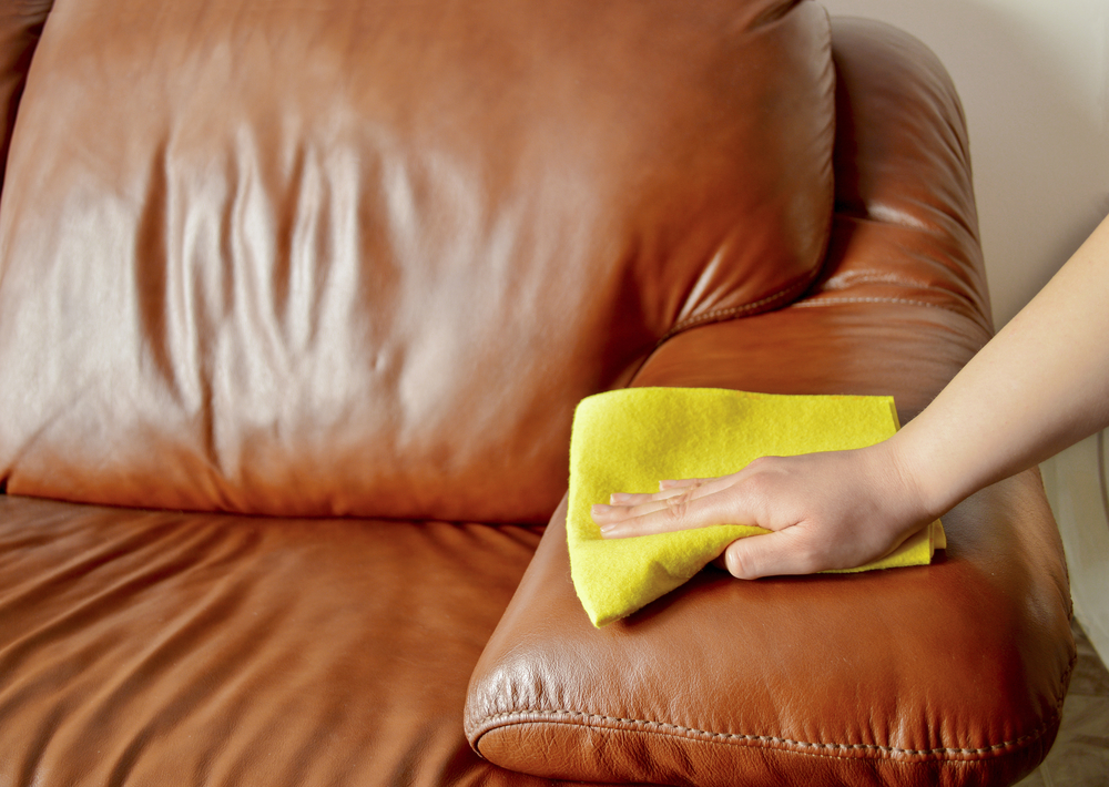 ソファの革のお手入れ